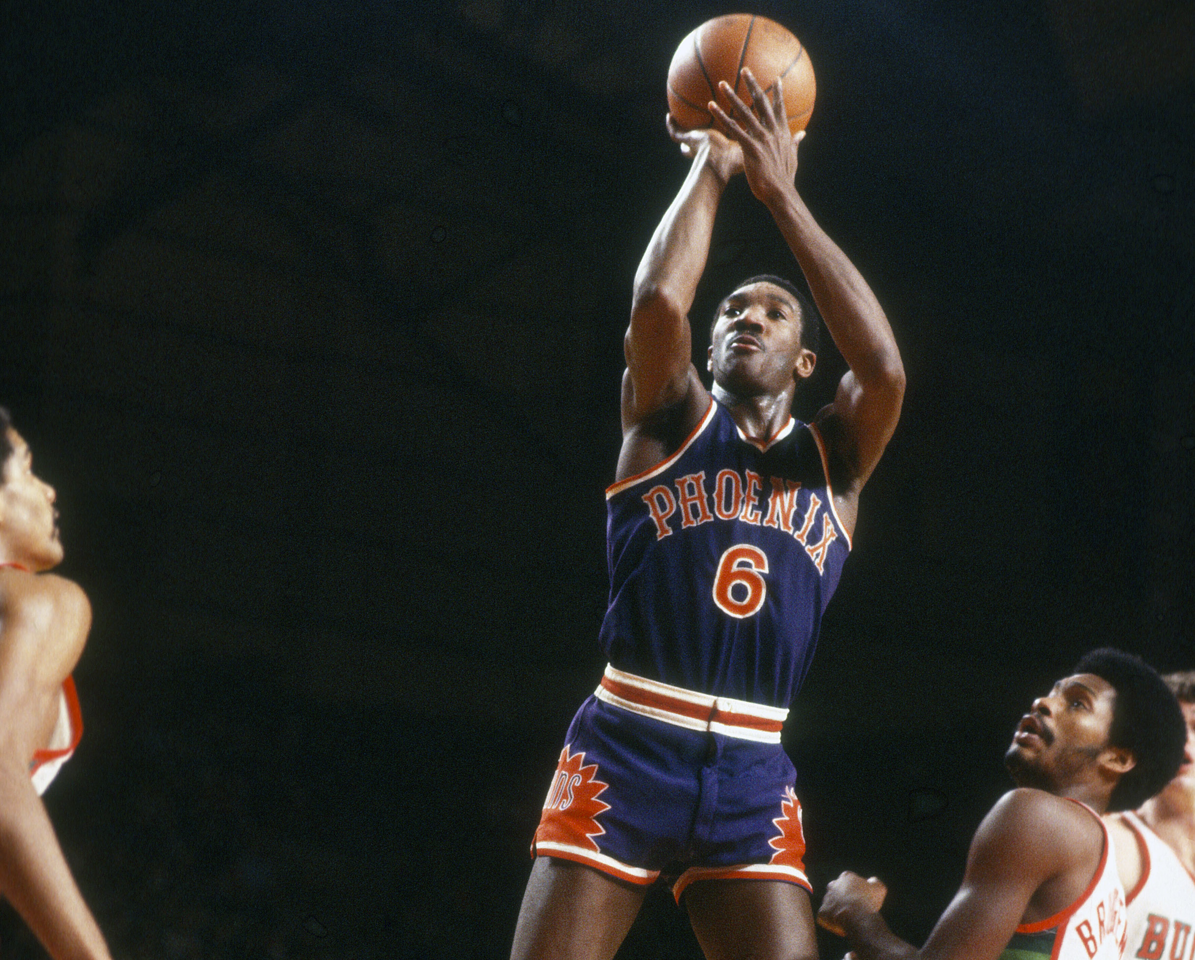NBA: 25 Greatest Rookie Seasons Of All-Time - Page 16