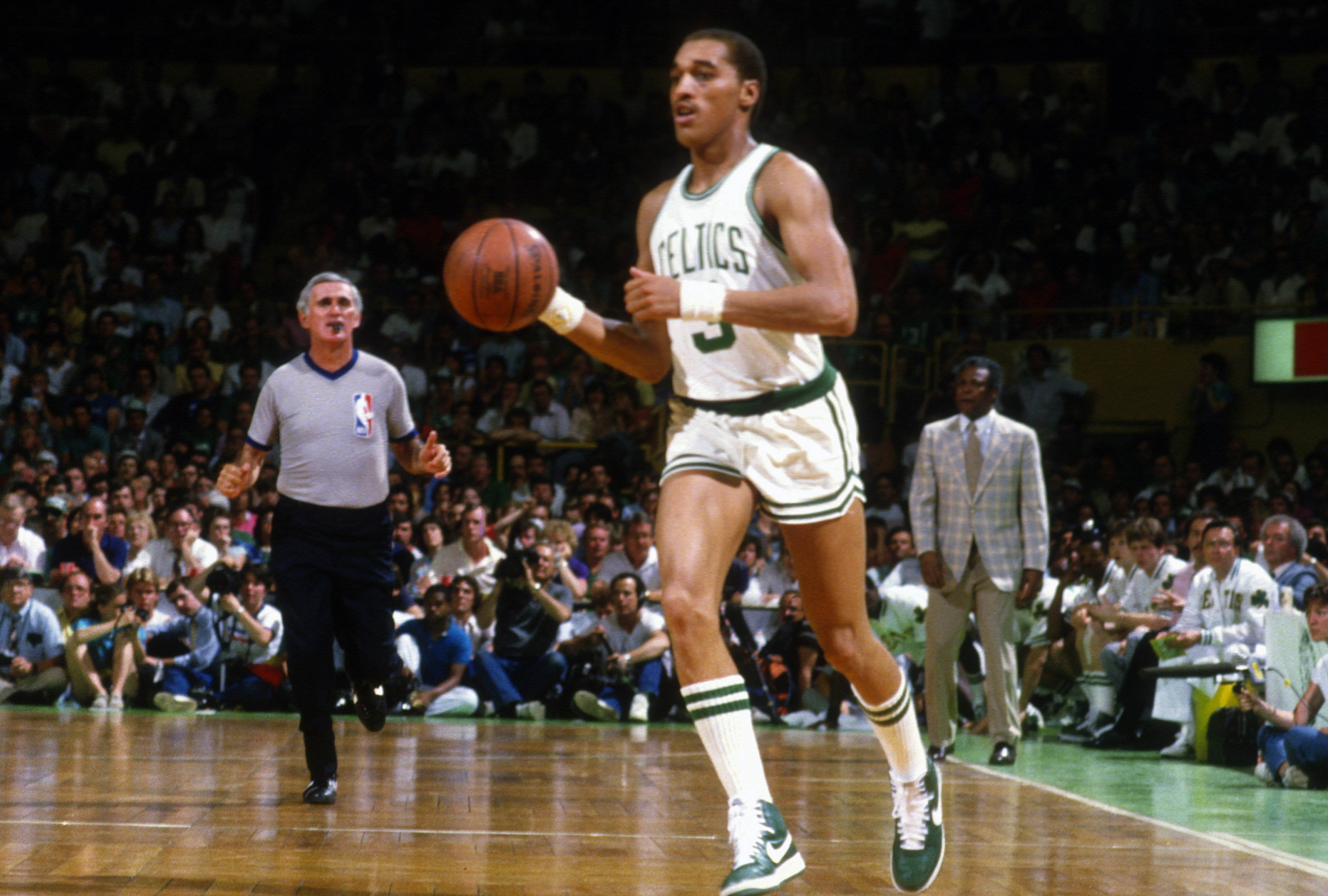 50 Greatest NBA Players The 1980s Page 33