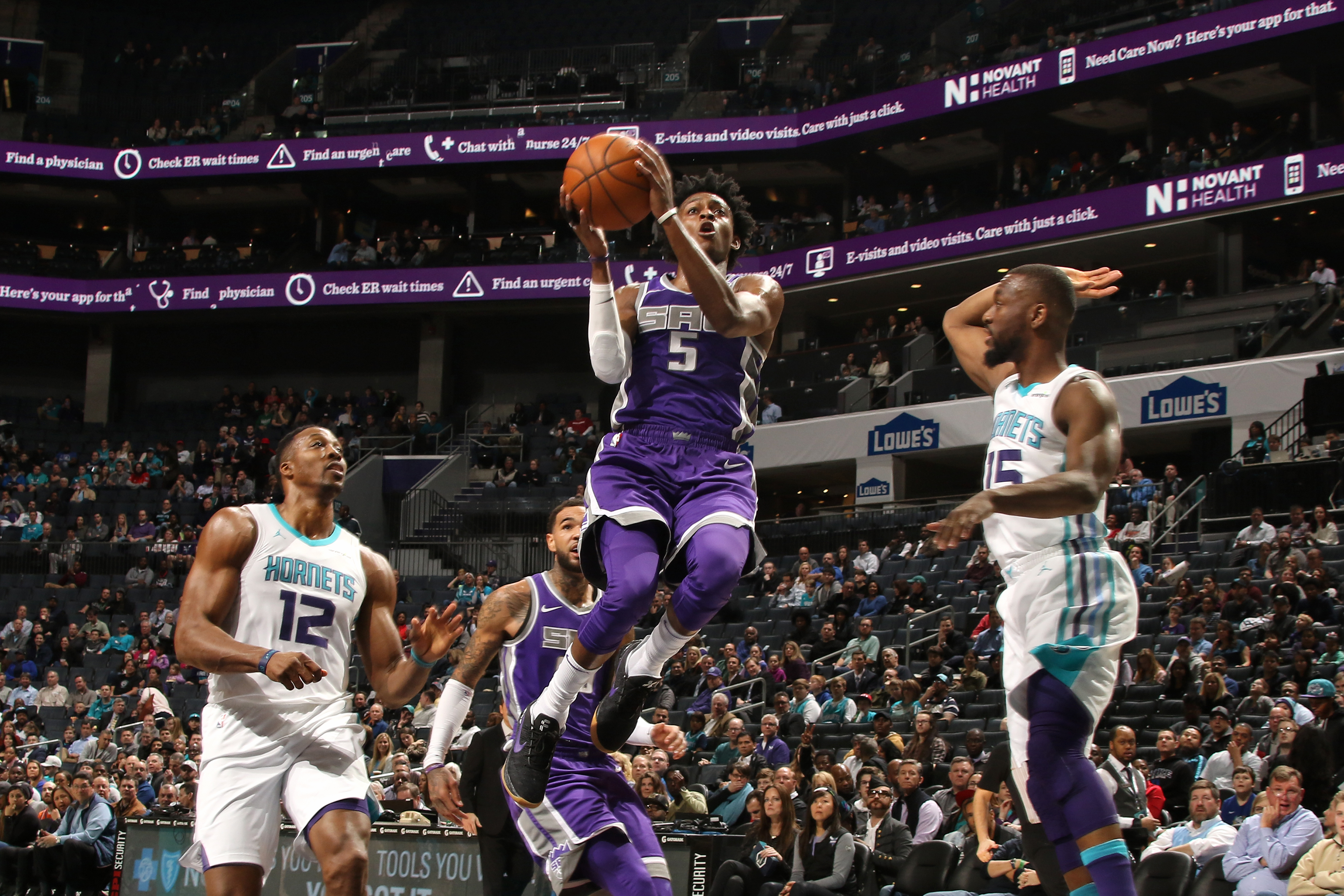 Kings coach Joerger 'all right' after dizzy spell