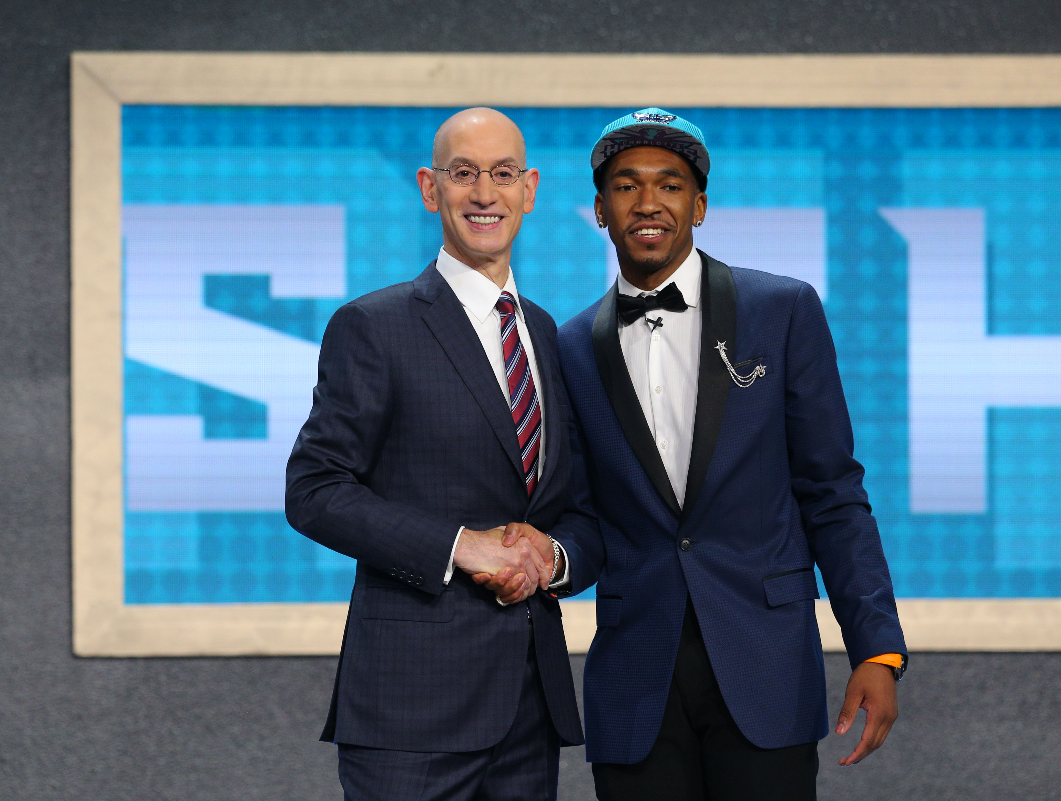 Charlotte Hornets  2017 NBA Draft grades for Malik Monk - Page 2 e9161ae25